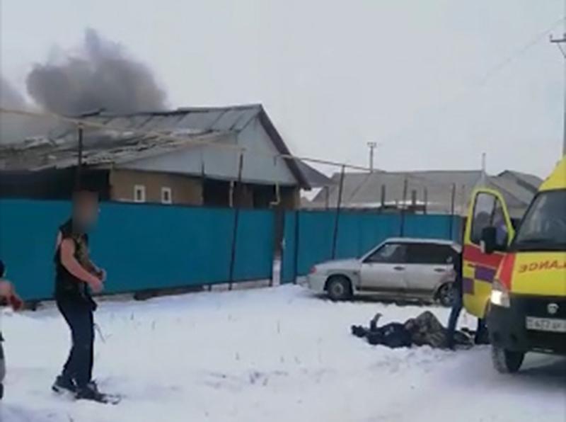 Рабочий из Таджикистана скончался после взрыва газового баллона в Уральске