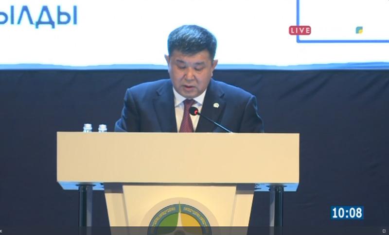 Отчет акима области начался в Атырау