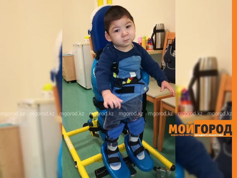 Я сделаю все, чтобы мой сын встал на ноги - мама ребенка-инвалида из Уральска