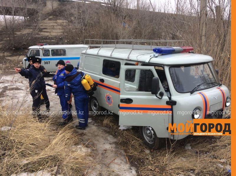 Тело рыбака вытащили из реки Чаган водолазы в Уральске