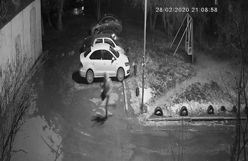 Сотовые телефоны и автомобили купили на похищенные у владельца обменника 44 млн тенге грабители в Уральске (видео)