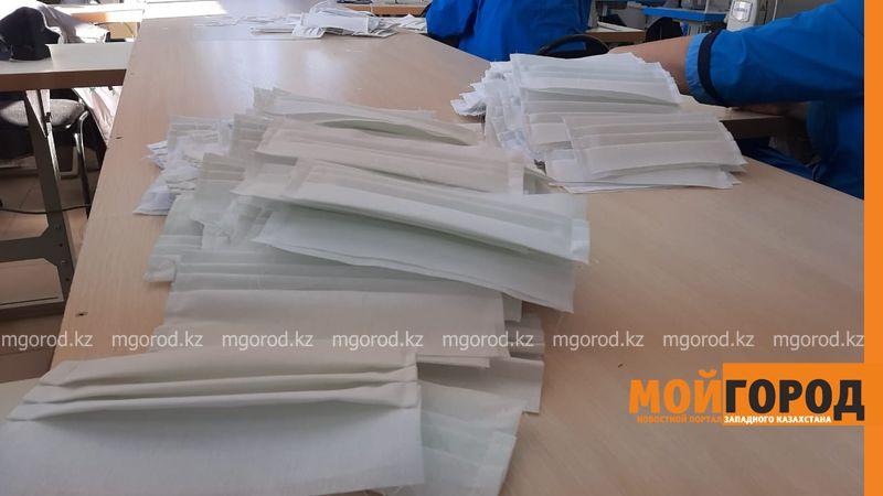 В Уральске предприятия и ателье начали шить маски В Уральске швейные предприятия начали выпускать масок
