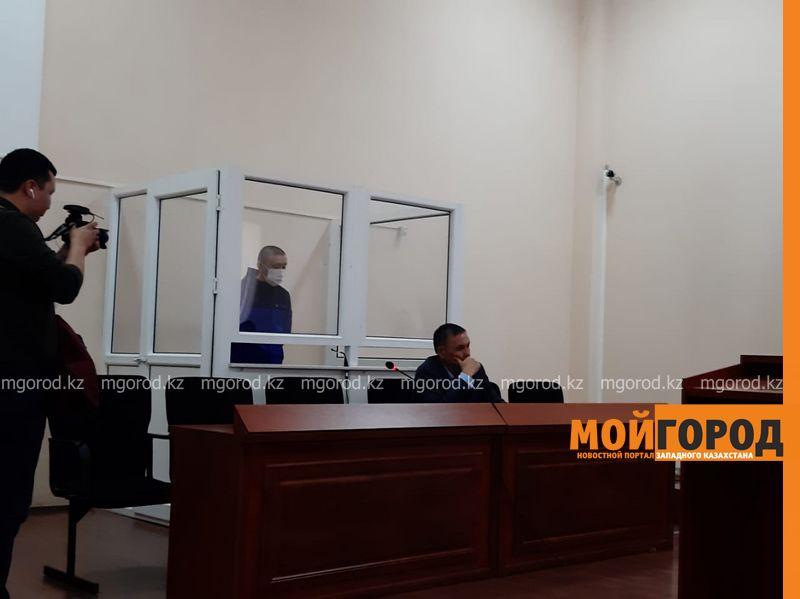 В Уральске начался суд над обвиняемым в смерти матери четверых детей полицейским