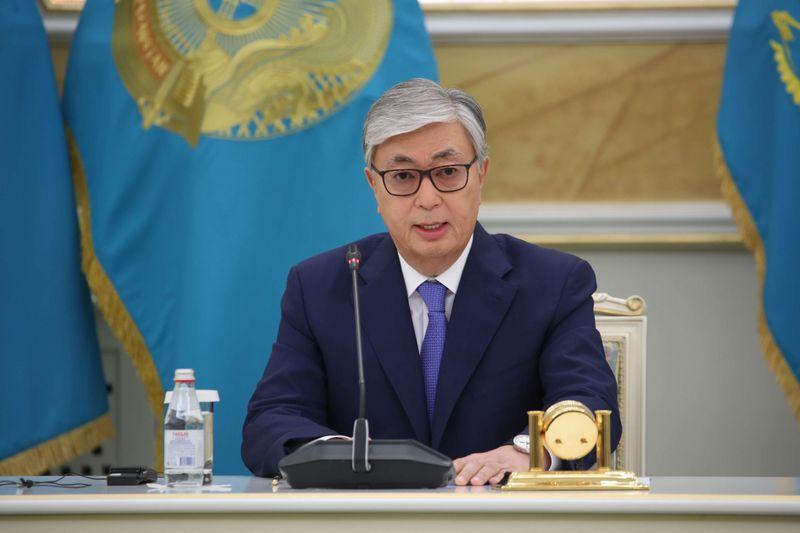 Касым-Жомарт Токаев подписал указ о продлении режима ЧП до 1 мая Президент Казахстана провел совещание по экономической ситуации в стране