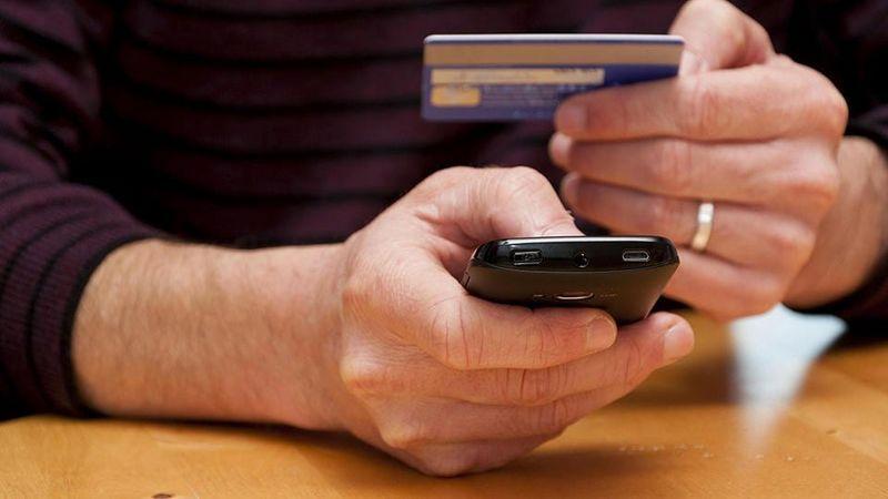 Мошенники оформили онлайн-займ на жительницу Уральска Мужчина украл крупную сумму денег с помощью телефона в Актау