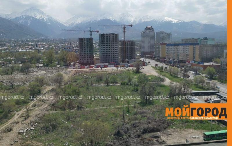 Два дня в пути и пробитое колесо: как алматинцы на такси добирались из Уральска домой Жители Алматы, которые находились в провизорном стационаре Уральска, вернулись домой