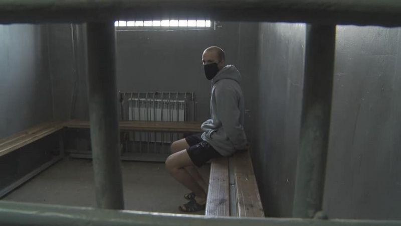 В Атырау за нарушение режима ЧП полицейские задержали мотоциклиста-лихача В Атырау за нарушение режима ЧП полицейские задержали мотоциклиста-лихача
