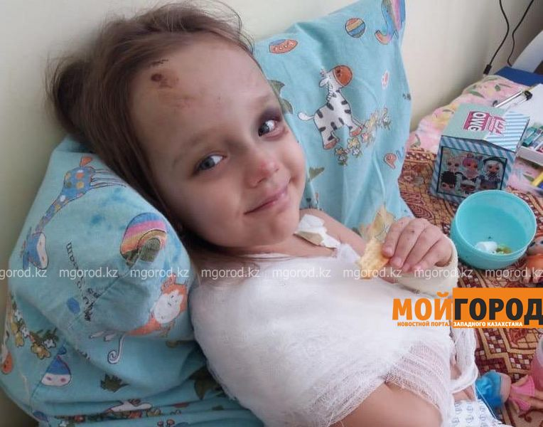 Из больницы выписали 6-летнюю дочку автоледи,столкнувшейся с полицейской машиной в Уральске Из больницы выписали 6-летнюю дочку автоледи,столкнувшуюся с полицейской машиной в Уральске