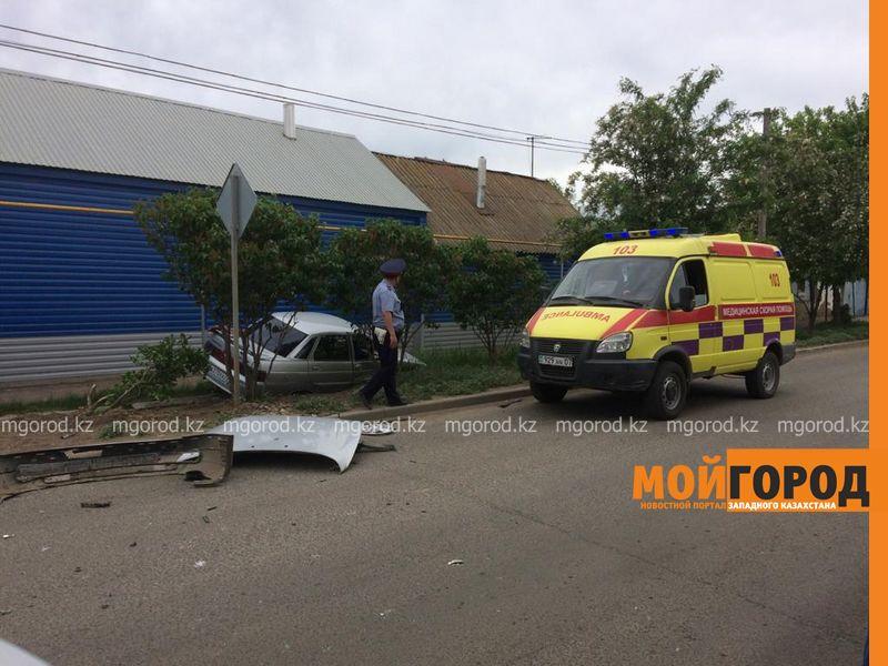 Беременная женщина пострадала при столкновении двух авто в Уральске Беременная женщина пострадала при столкновении двух авто в Уральске