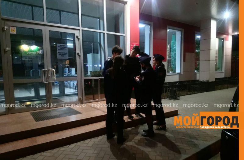 24 подростка задержали в ночью в Уральске 24 подростка задержали в ночное время в Уральске