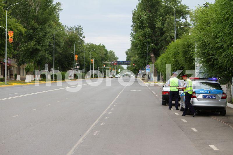 Пьяных водителей задержали полицейские Актобе Пустые улицы, стоянки и рынки: как проходит карантинный выходной в Уральске (фото)