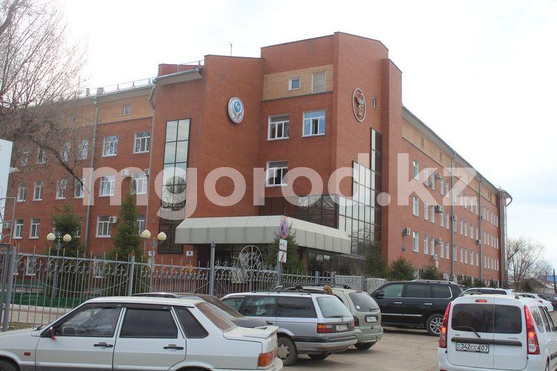 Провизорный стационар на 130 мест откроется в областной больнице Уральска Провизорный стационар на 130 мест откроется в областной больнице Уральска