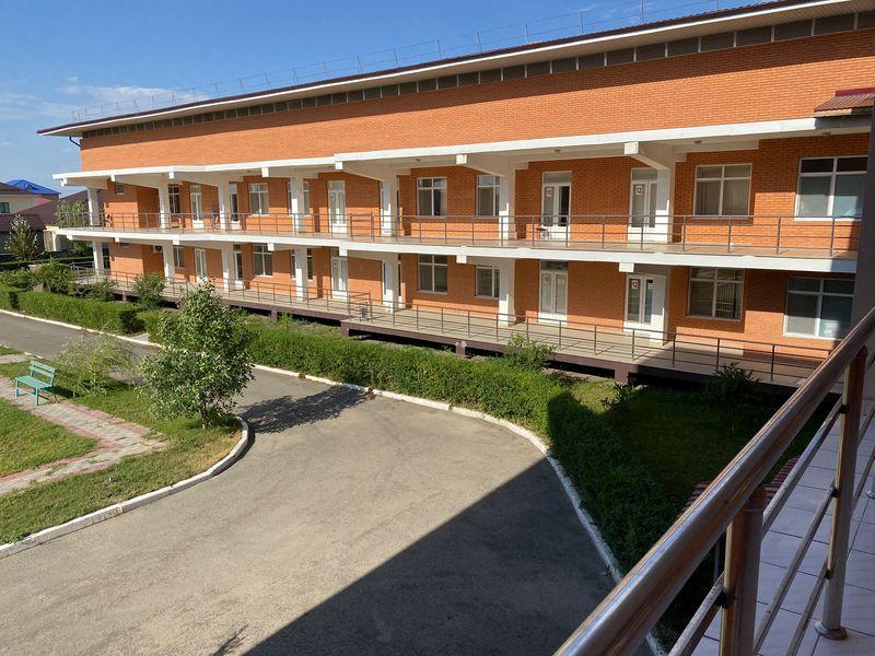 Житель Атырау снял на видео пустующие палаты в инфекционной больнице Житель Атырау снял на видео пустующие палаты в инфекционной больнице