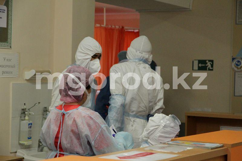 По 10 миллионов тенге получили семьи трех медработников, умерших от COVID-19 в Атырауской области 123 медика получат по 2 миллиона тенге в течение трех дней