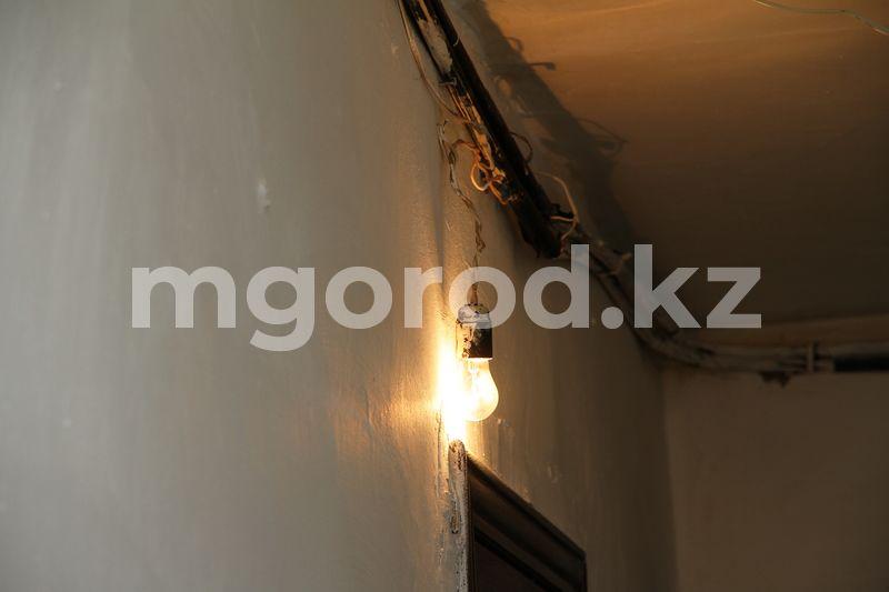 Жители нескольких многоэтажек в Уральске остались без электричества Жители нескольких многоэтажных домов Уральска остались без электричества