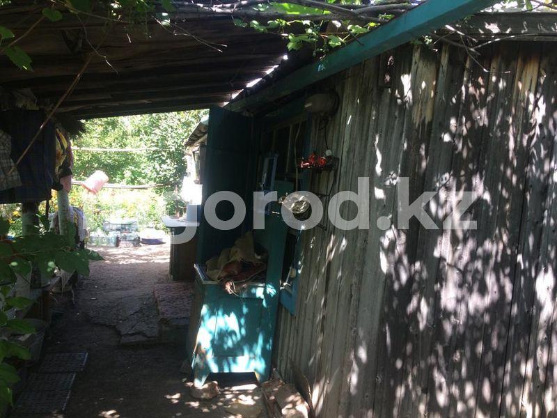 Женщину, тело которой разлагалось в дачном доме, до сих пор не похоронили в Уральске Труп пенсионерки второй день разлагается в дачном доме в Уральске