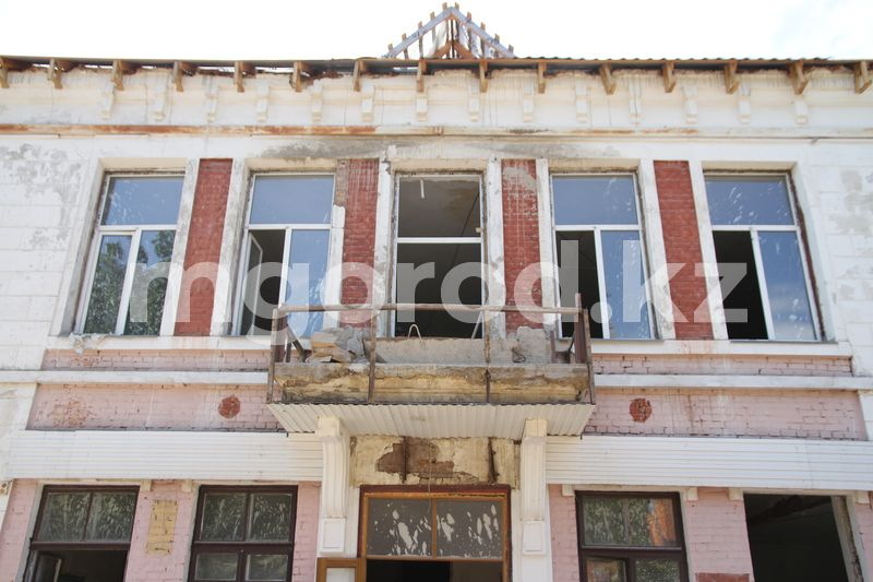Построенную в прошлом веке школу отремонтируют в Уральске Школу построенную в прошлом веке отремонтируют в Уральске