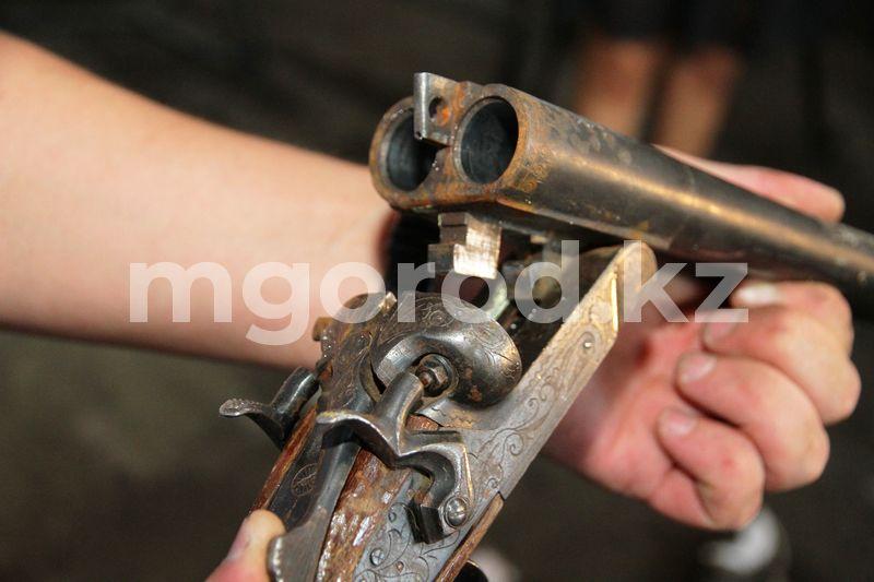 В ЗКО мужчина ранил из ружья троих сельчан В ЗКО мужчина ранил из ружья троих сельчан