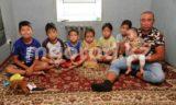5 миллионов тенге перечислили отцу-одиночке с семью детьми из Уральска