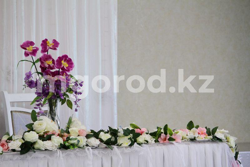Свадьбу в зоне отдыха проводили в Актюбинской области В ресторане Уральска проводили свадьбу на 100 человек