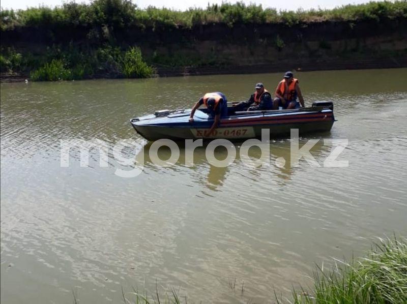 Двух тонущих девочек спасли в Атырау Пропавшего мужчину из Атырау нашли утонувшим недалеко от Уральска