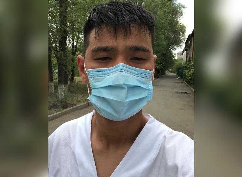 Я готов был работать бесплатно: как обычный студент работает санитаром в инфекционной больнице Уральска <jz