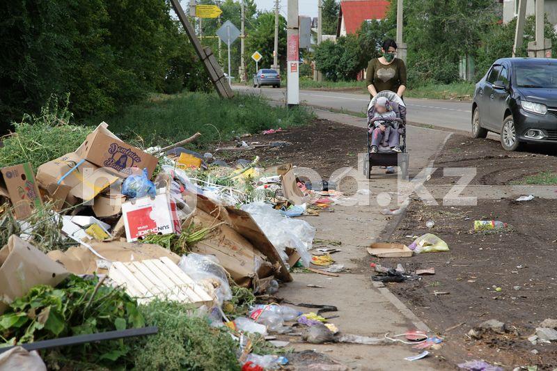 Место стихийной свалки предложили охранять полицейским в Уральске Место стихийной свалки предложили охранять полицейским в Уральске