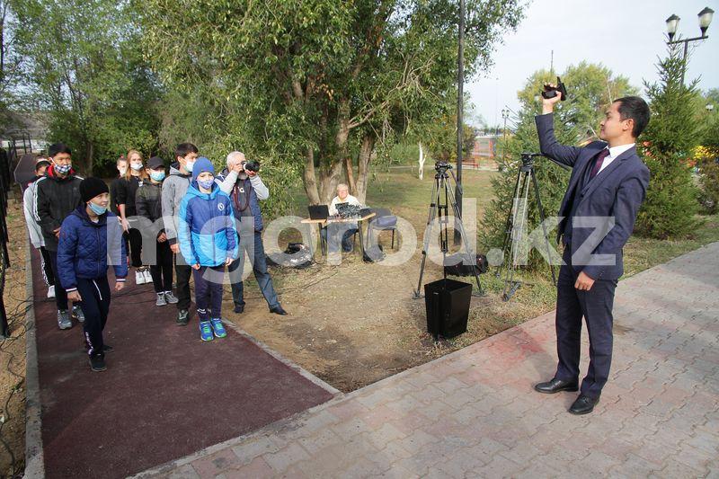 Новую беговую дорожку открыли в Уральске Новую беговую дорожку открыли в Уральске