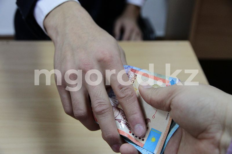 1,7 млн тенге вымогал мужчина у жителя Уральска 1,7 млн тенге вымогал мужчина у жителя Уральска