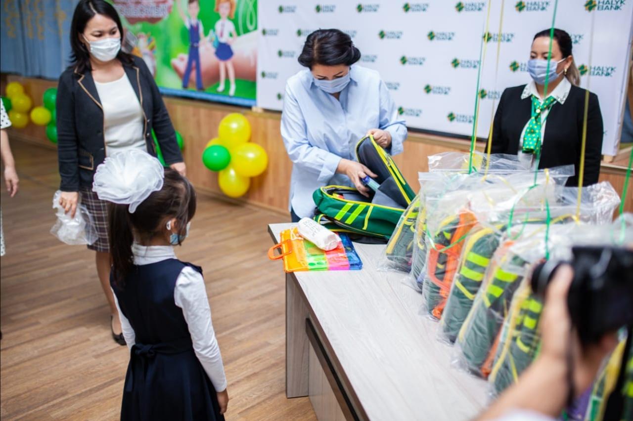 Акция «Дорога в школу» от благотворительного фонда «Халык» Акция «Дорога в школу» от Благотворительного фонда «Халык»