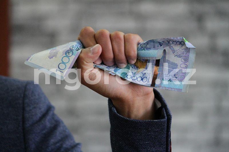 Понизить ставки по кредитам в Казахстане призвали депутаты Обнулить плохие кредитные истории казахстанцев предложил депутат