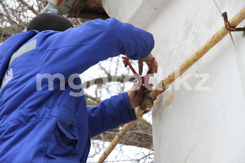 Два человека отравились насмерть газом в Актюбинской области В Атырау на два дня отключат газ