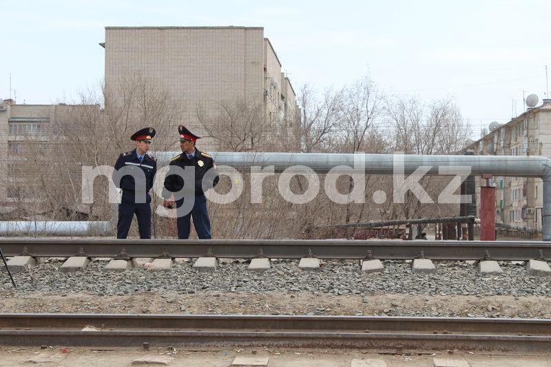 Поезд сбил человека в Уральске: женщине отрезало руки и ноги Поезд сбил человека в Уральске: женщине оторвало руки и ноги