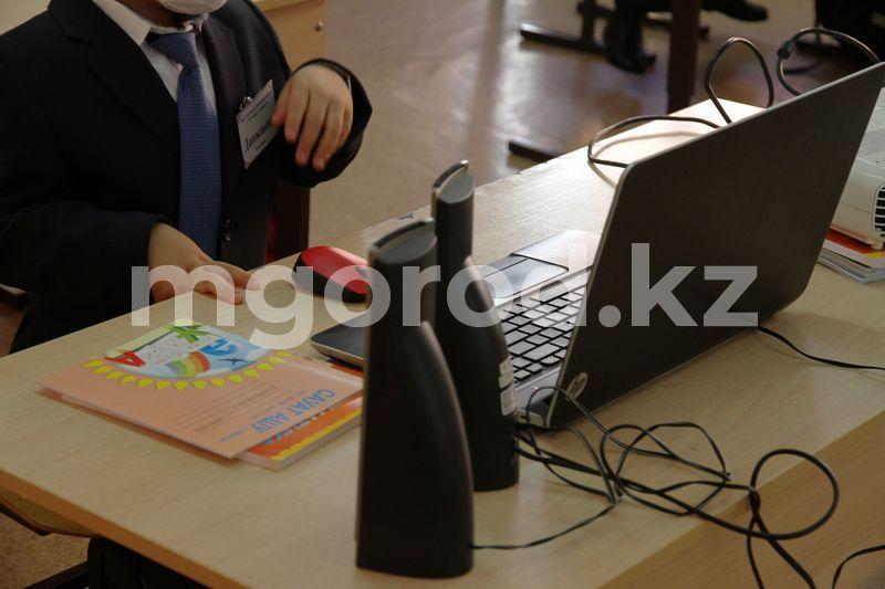 """Есмагамбетова о продолжении онлайн-обучения в регионах """"зёлёной"""" зоны: Дети подвержены неисполнению сантребований Казахстанские родители требуют вернуть обучение в школах"""