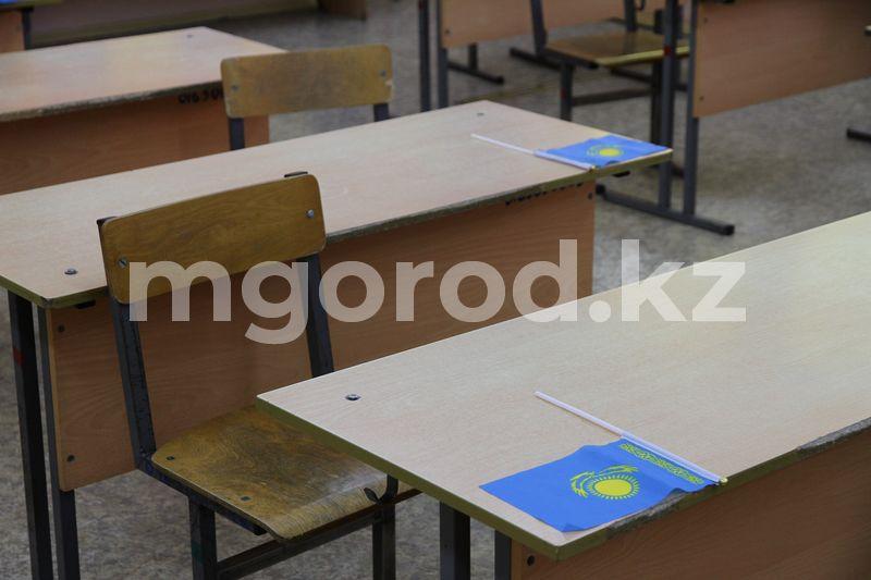 168 человек эвакуировали из школы Атырау после сообщения о заложенной бомбе 168 человек эвакуировали из школы Атырау после сообщения о заложенной бомбе