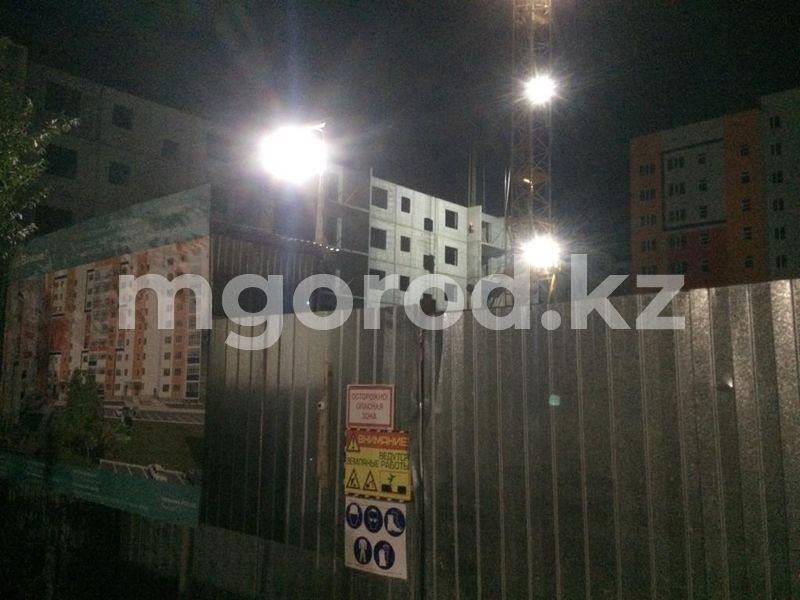 В Уральске насмерть разбился монтажник Монтажник разился упав с пятого этажа на стройке в Уральске
