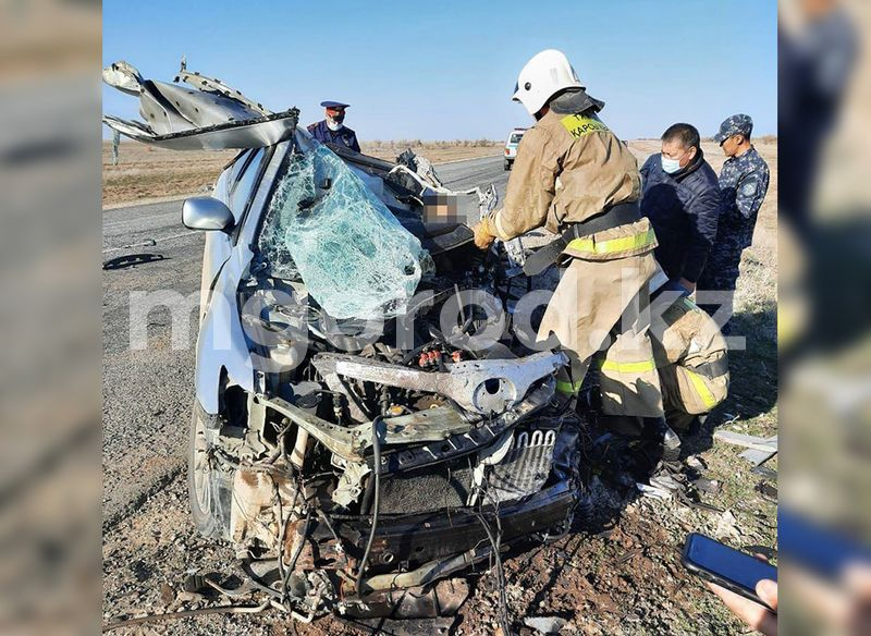 Мужчина погиб при столкновении Toyota Camry и большегруза на трассе в ЗКО (фото) Toyota Camry врезалась в большегруз на трассе в ЗКО: погиб мужчина (фото