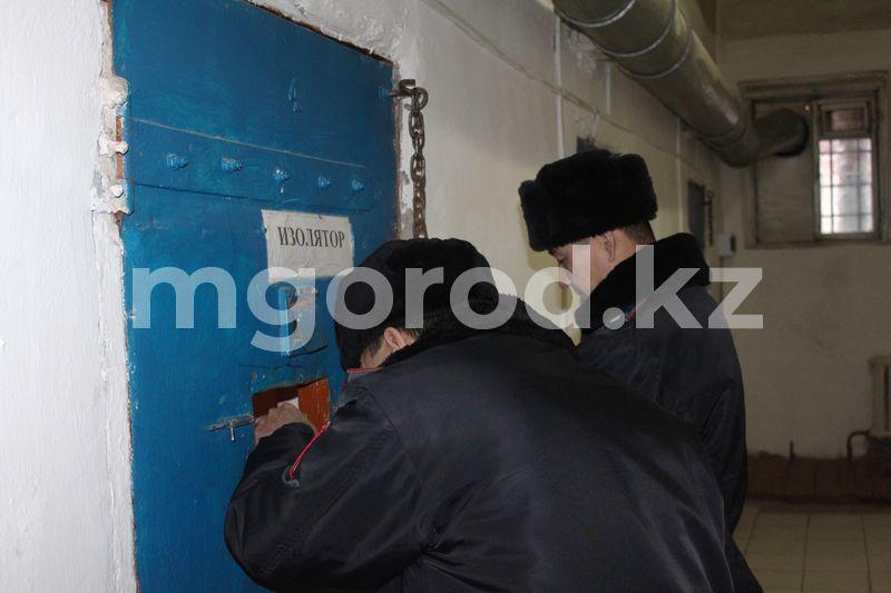 Стрельба в Уральске: двое обвиняются в покушении на убийство Стрельба в Уральске: двое обвиняются в покушении на убийство
