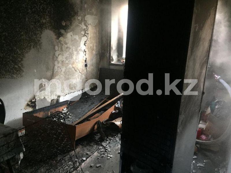 В Атырау горело студенческое общежитие В Атырау горело студенческое общежитие