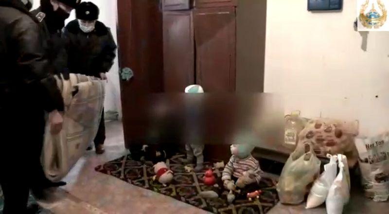 Атырауские полицейские одели к зиме детей из малообеспеченной семьи (видео) Полицейские Атрыау помогли малообеспеченной семье (видео)