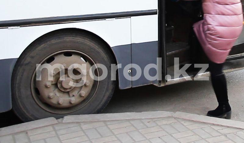 Водитель пассажирского автобуса сбил насмерть мужчину в Атырау Водитель пассажирского автобуса сбил насмерть мужчину в Атырау