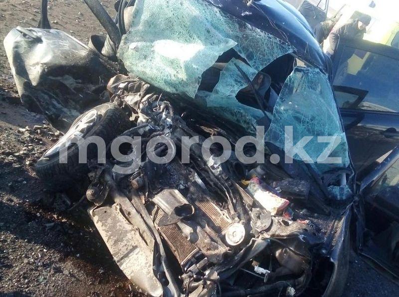 Смертельное ДТП на трассе ЗКО: умер еще один водитель Водитель и два пассажира погибли при столкновении «Волги» и «Гранты» на трассе ЗКО (фото)
