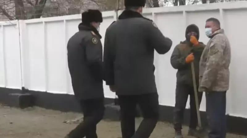 Казахстанцев будут штрафовать за ношение камуфляжной формы Казахстанцев будут штрафовать за ношение камуфляжной формы
