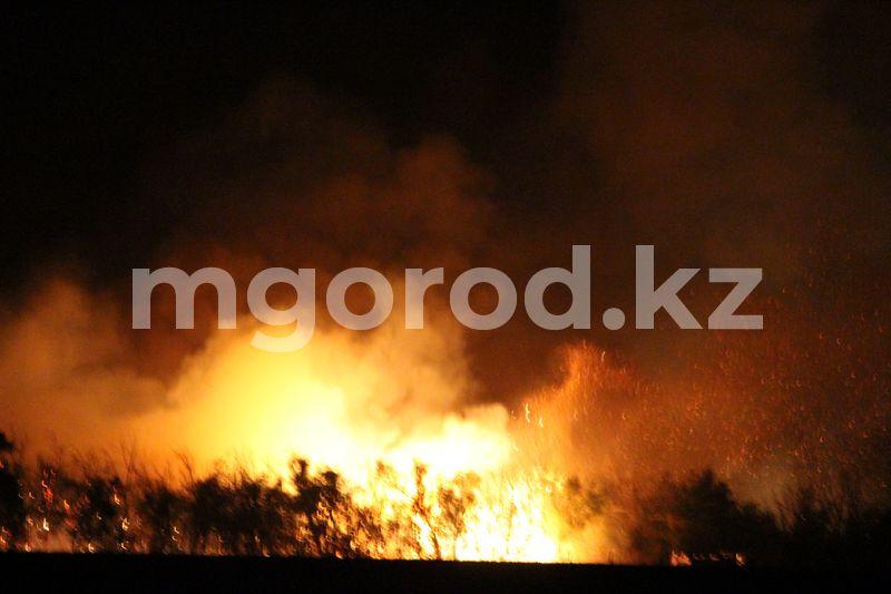 Труп мужчины нашли в сгоревшем вагончике в степи ЗКО Труп мужчины нашли в сгоревшем вагончике в степи ЗКО