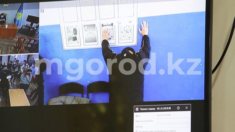 Сдохни, тварь! — захватившему в заложницы жену вынесли приговор в Уральске (видео) Чтобы ты сдохла, тварь! - подсудимому вынесли приговор в Уральске