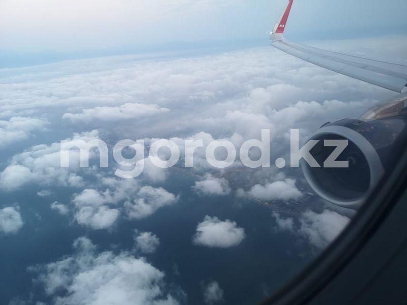 Казахстанцы везут COVID-19 из-за рубежа У малыша из Уральска начались судороги в самолете: воздушное судно вернулось в аэропорт