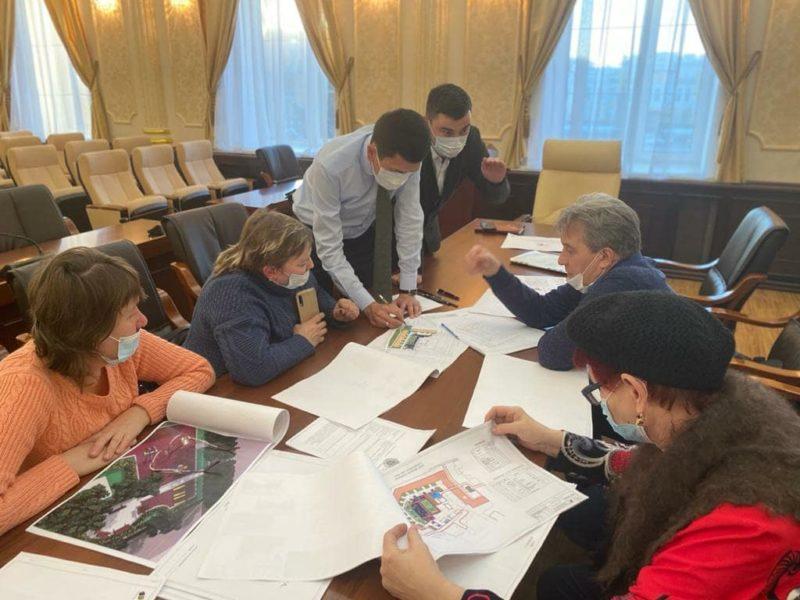 Благоустройство дворов обсудили в акимате Уральска Уральцы могут подать заявку на благоустройство двора онлайн