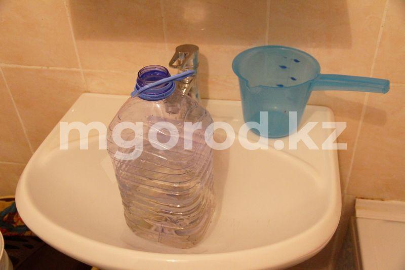 Воду отключат в поселке Зачаганск В Уральске из-за аварии на водопроводе десятки жилых домов остались без воды