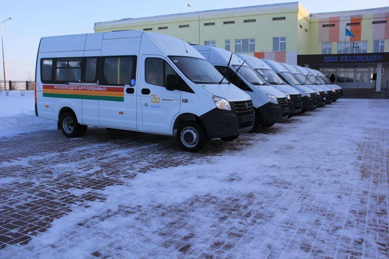 Микроавтобусы на 150 миллионов тенге купили для школ Аксая Микроавтобусы на 150 миллионов тенге купили для школ Аксая