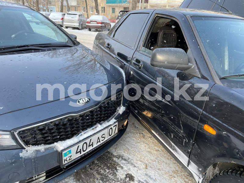 Служебный автомобиль акимата ЗКО попал в ДТП Машина акима ЗКО попала в ДТП